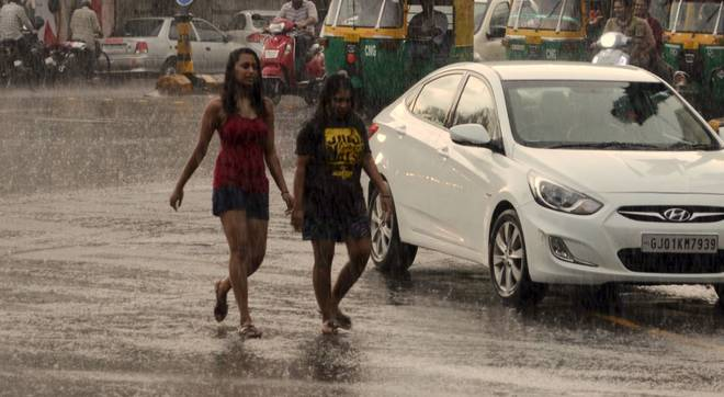rain-in-ahmedabad-on-monday-evening